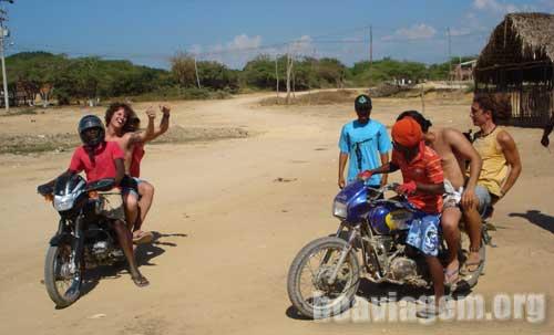 Garupa da motoca colombiana