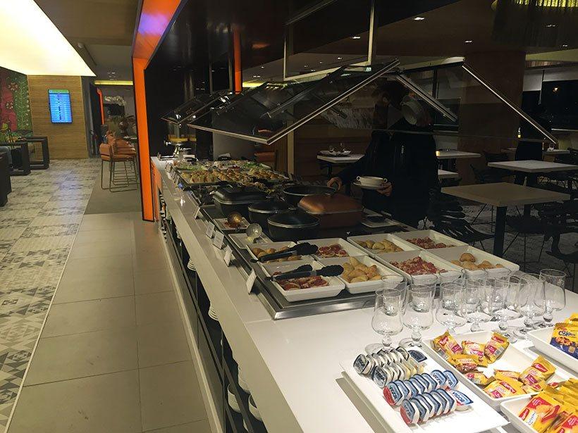 Buffet da Sala Vip Smiles em Guarulhos