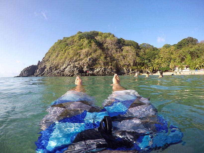 Banho de mar na Praia do Cachorro