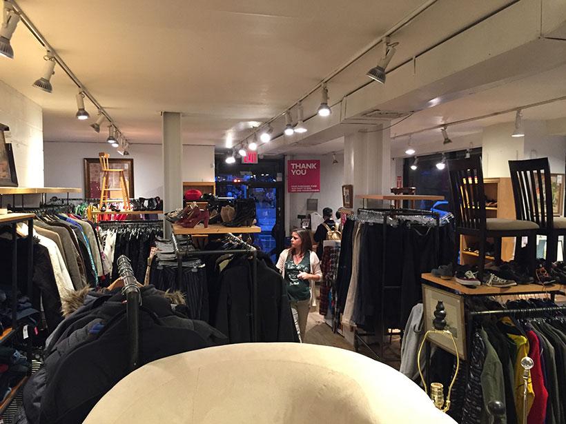 loja onde é possível comprar roupa usada em Nova York