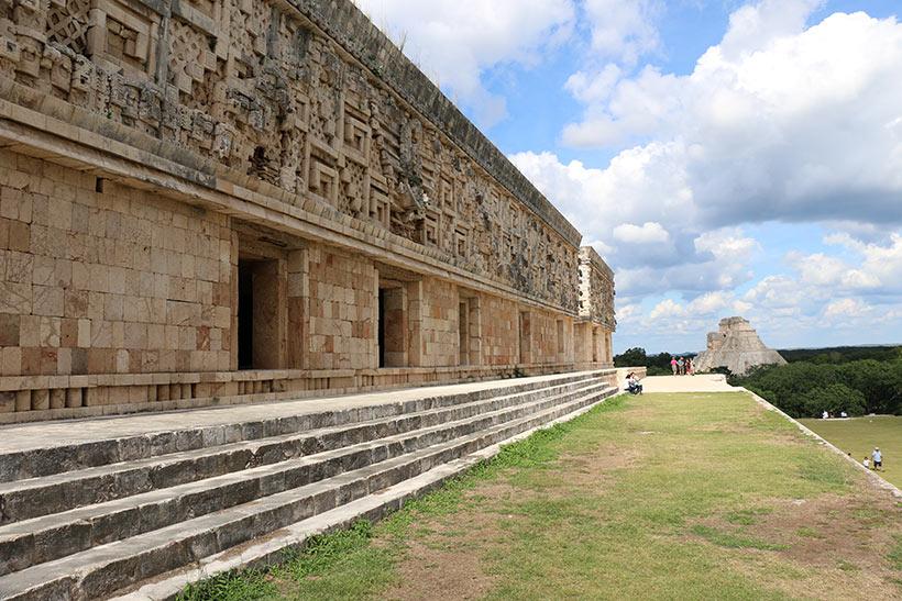 Pirâmides maias sem a lotação de Chichén Itzá