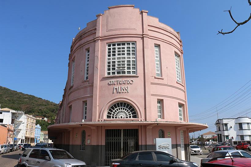 Cine Teatro Mussi em Laguna