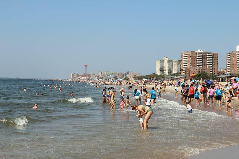 Praia em Nova York: Coney Island
