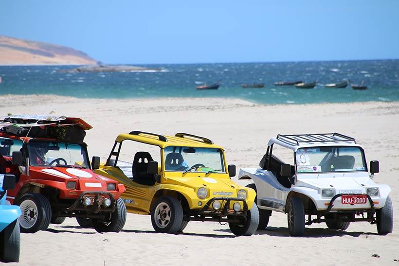 Passeio de Buggy pelas praias nos arredores de Jeri